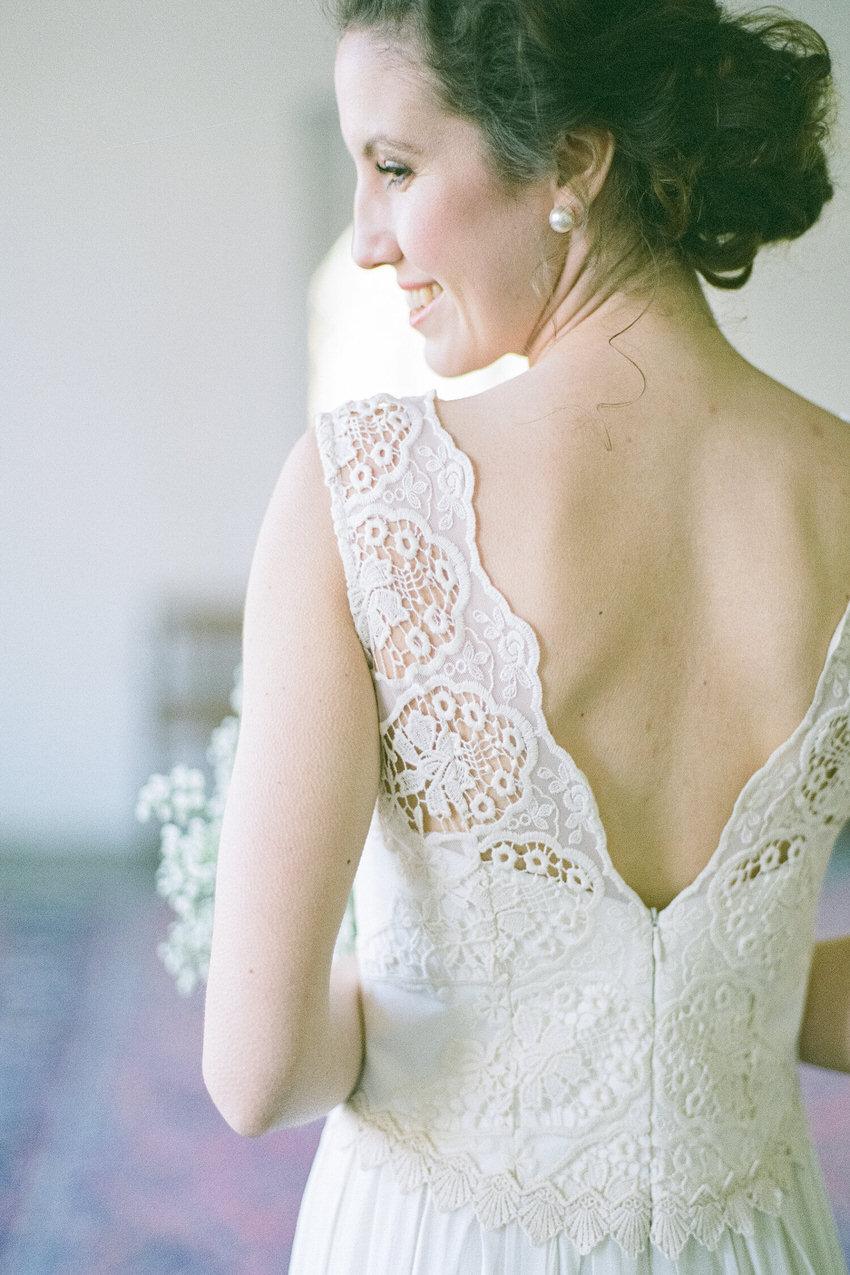 langes Brautkleid mit tiefem Rückenausschnitt – gesehen bei frauimmer-herrewig.de
