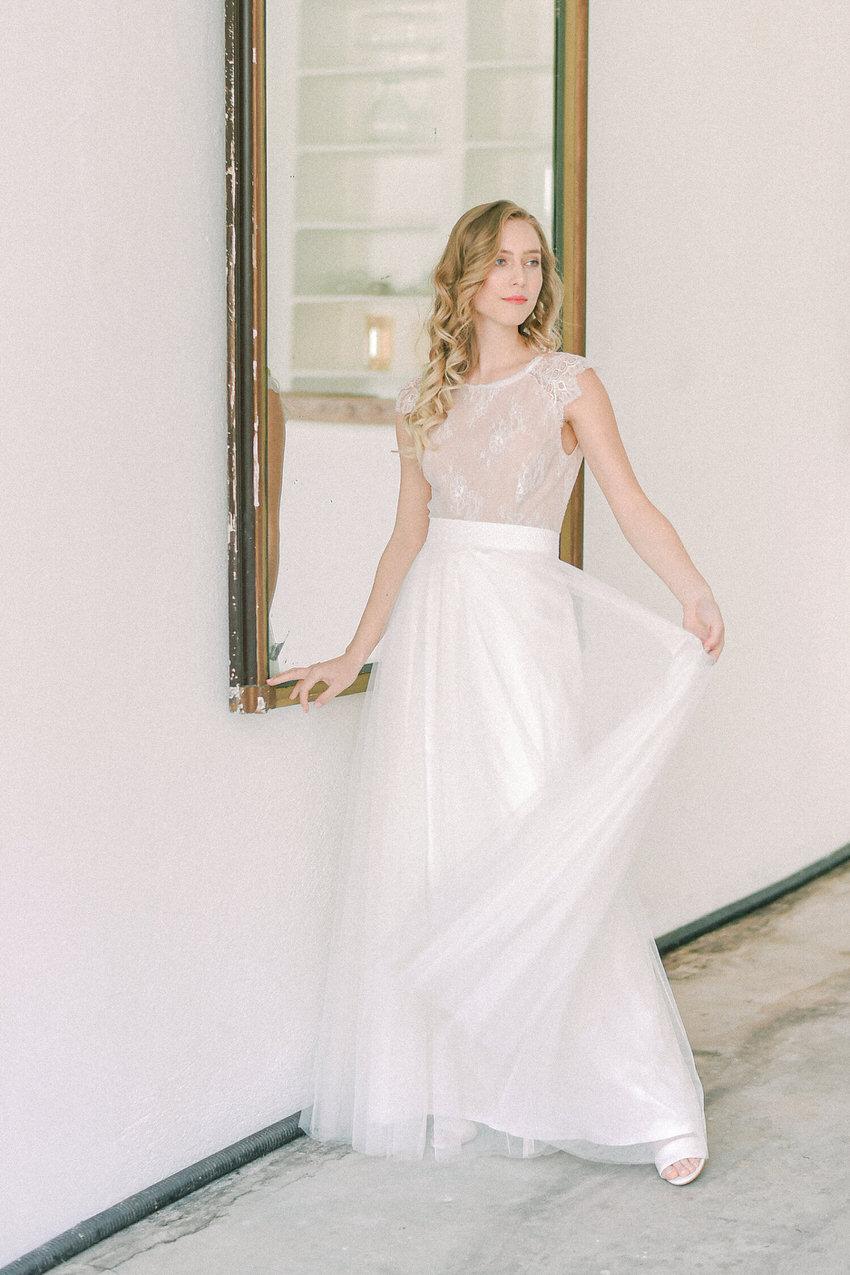 langes Hochzeitskleid mit Tüllrock – gesehen bei frauimmer-herrewig.de