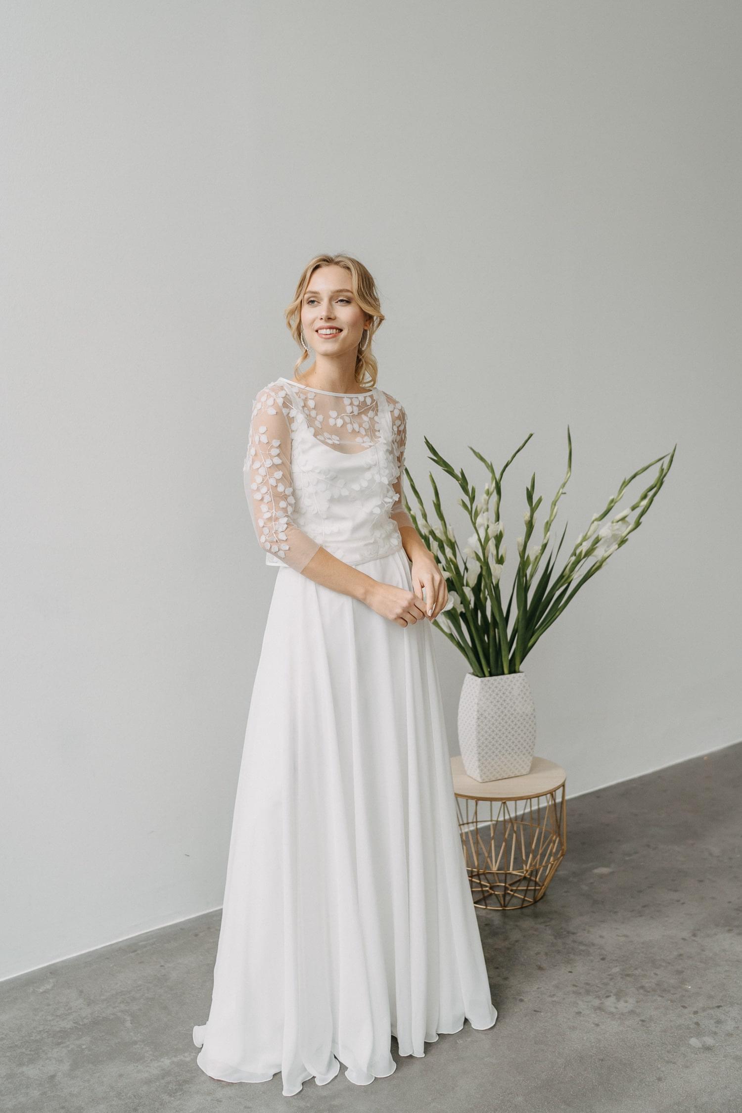Langes Hochzeitskleid aus Köln – gesehen bei frauimmer-herrewig.de