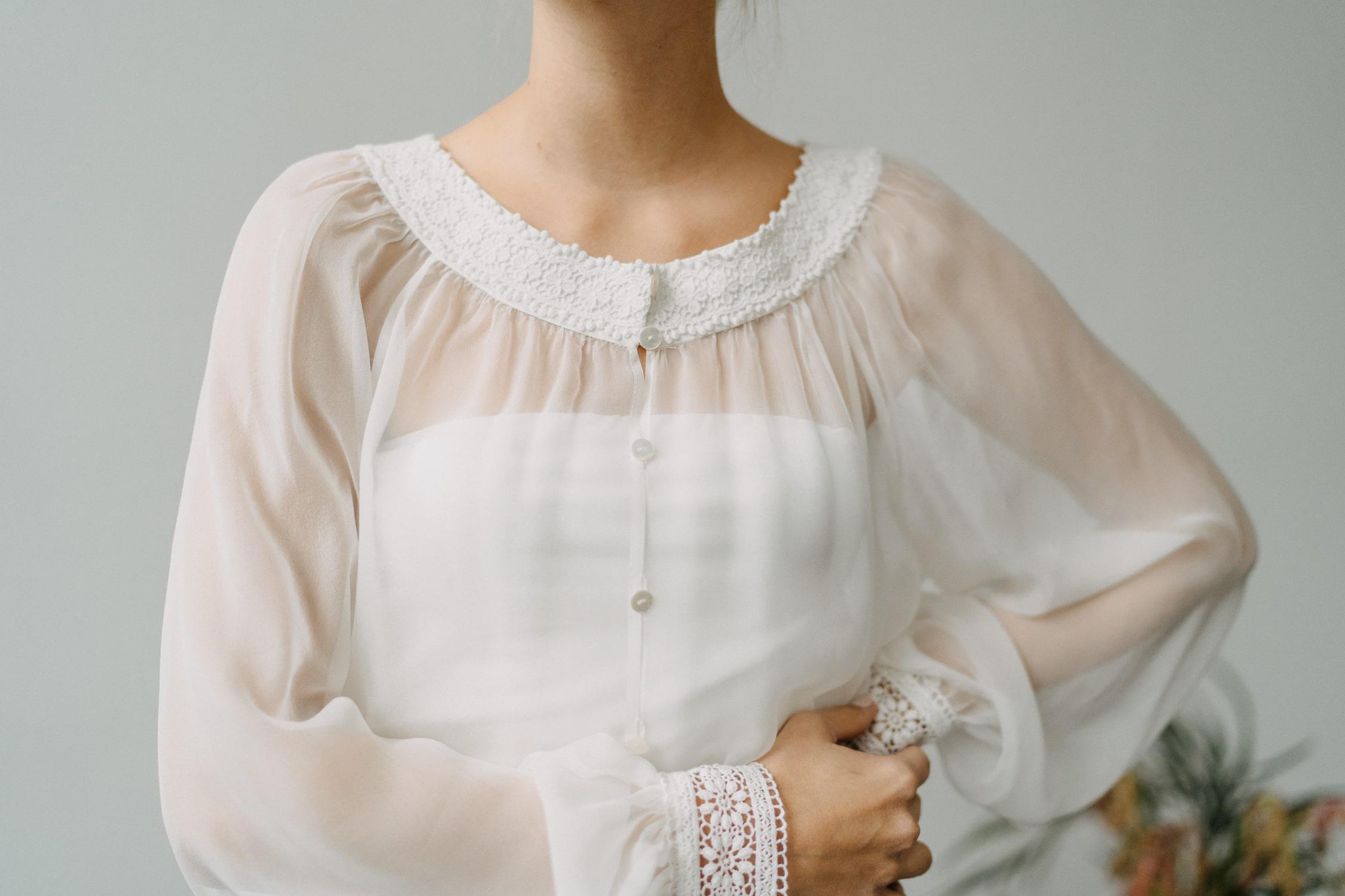 Hochzeitskleid mit weiten Ärmeln – gesehen bei frauimmer-herrewig.de
