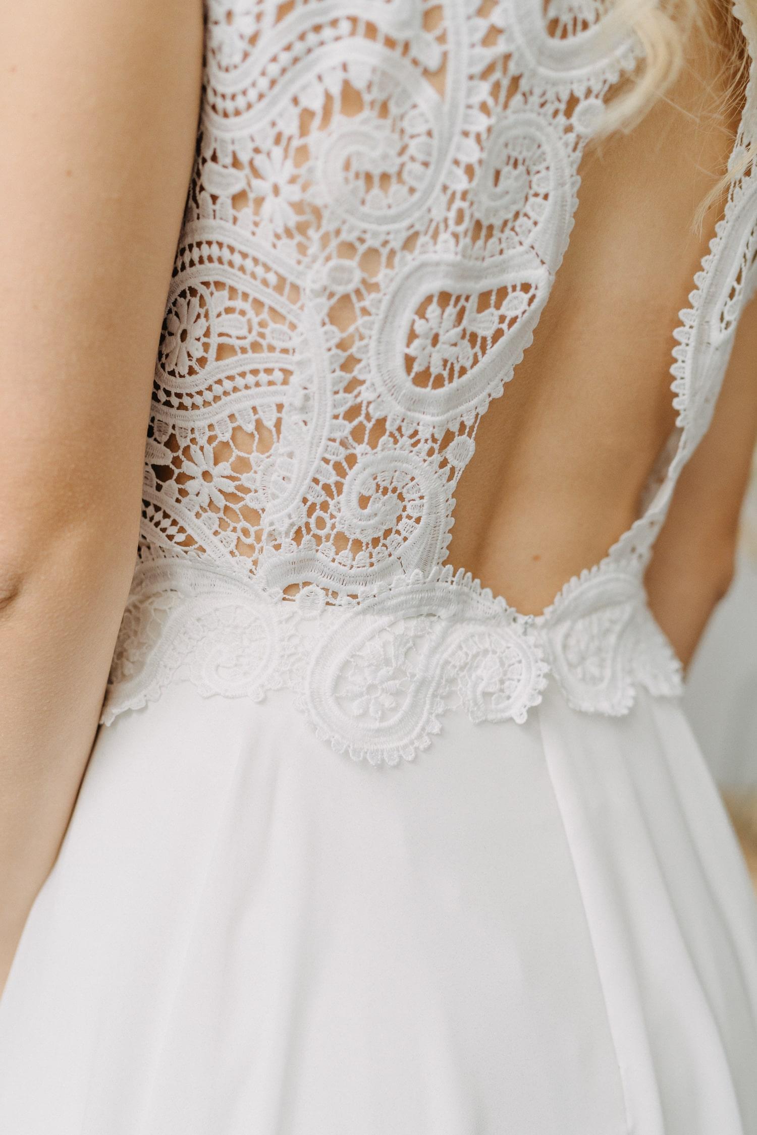 Hochzeitskleid mit Rückenausschnitt – gesehen bei frauimmer-herrewig.de