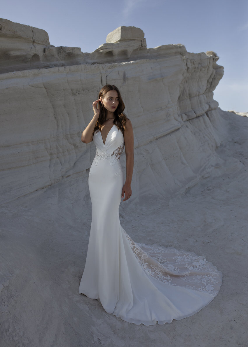 langes Brautkleid mit Schleppe – gesehen bei frauimmer-herrewig.de