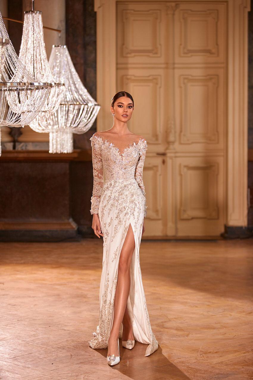 elegantes Brautkleid mit Beinschlitz – gesehen bei frauimmer-herrewig.de