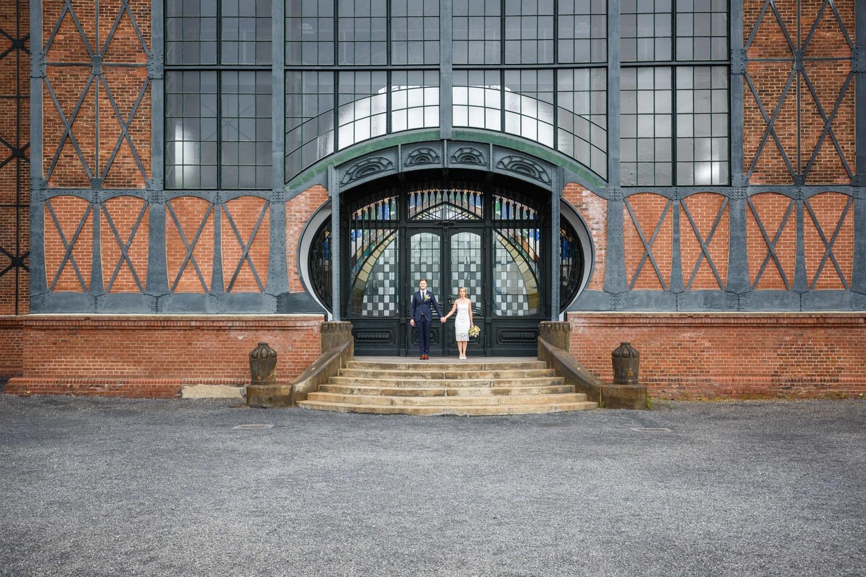 Hochzeitsfotoshooting in der alten Maschinenhalle im LWL-Industriemuseum – gesehen bei frauimmer-herrewig.de