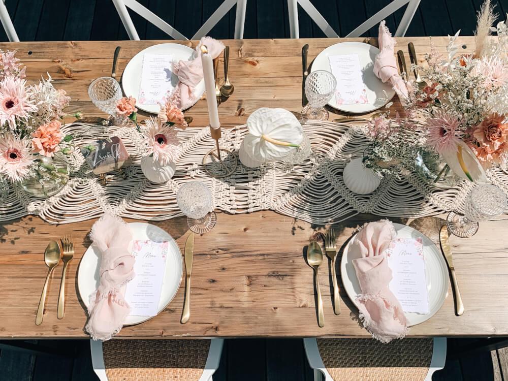 Sommerliche Tischdeko Hochzeit – gesehen bei frauimmer-herrewig.de