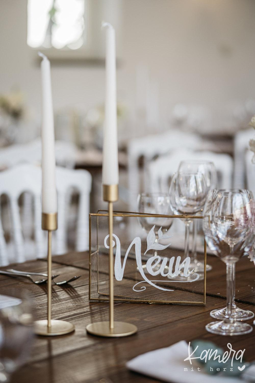 Goldene Tischdeko Hochzeit – gesehen bei frauimmer-herrewig.de