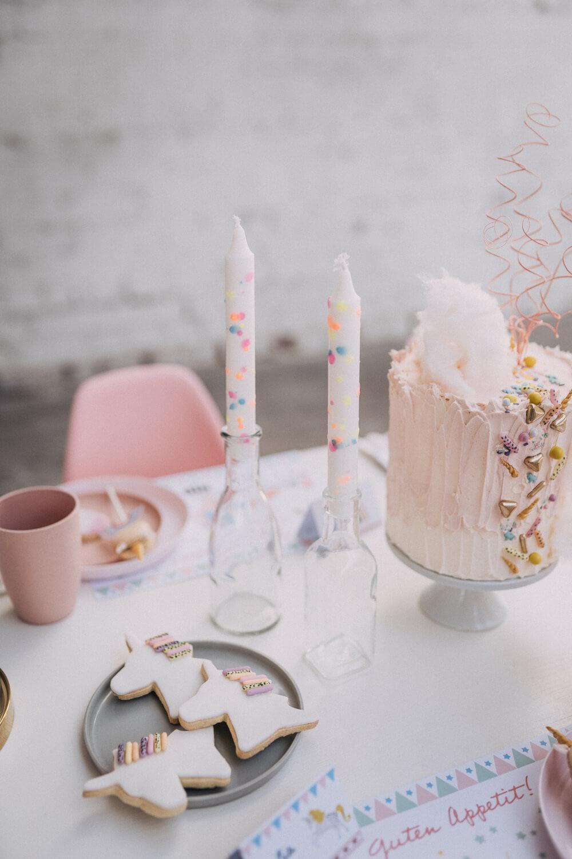 Einhornkekse und rosa Torte – gesehen bei frauimmer-herrewig.de