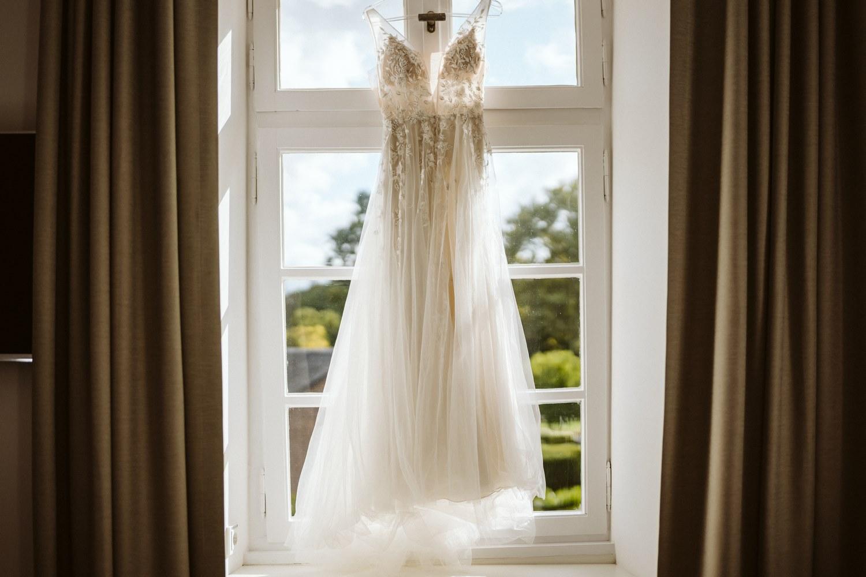 langes, weißes Brautkleid – gesehen bei frauimmer-herrewig.de