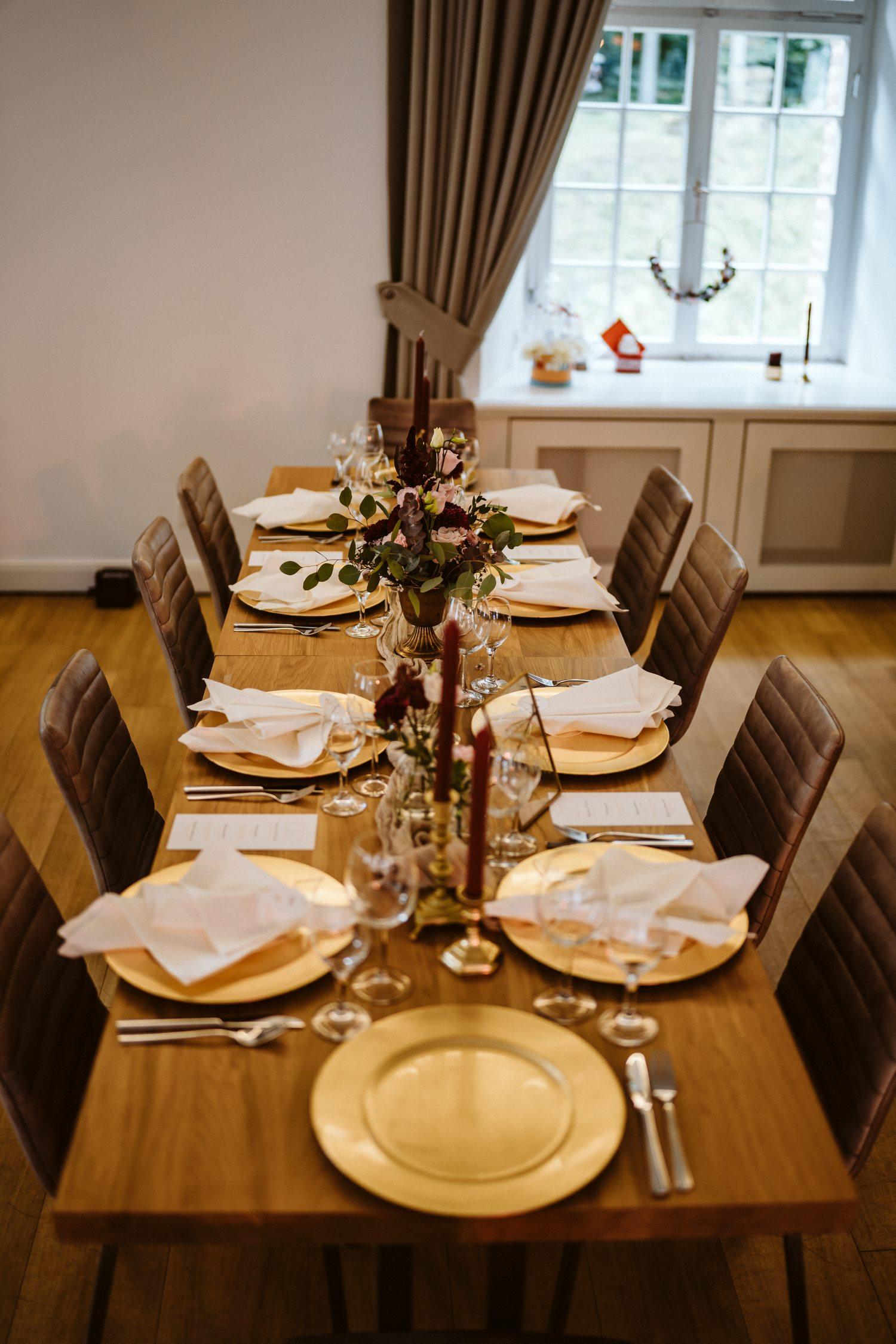 Hochzeitstafel – gesehen bei frauimmer-herrewig.de