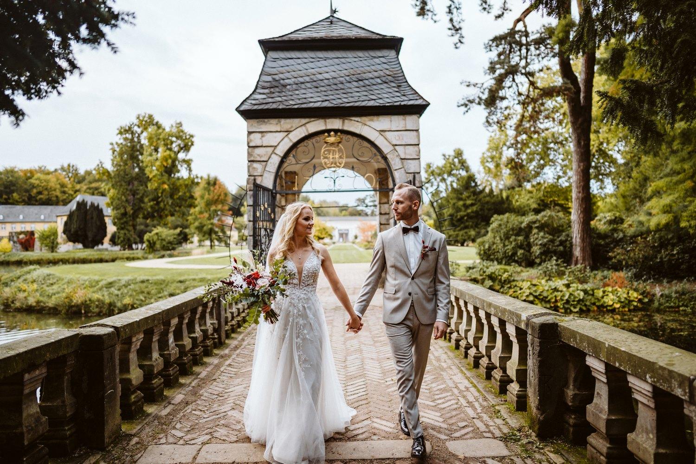 Hochzeitsfotoshooting auf Schloss Dyck – gesehen bei frauimmer-herrewig.de