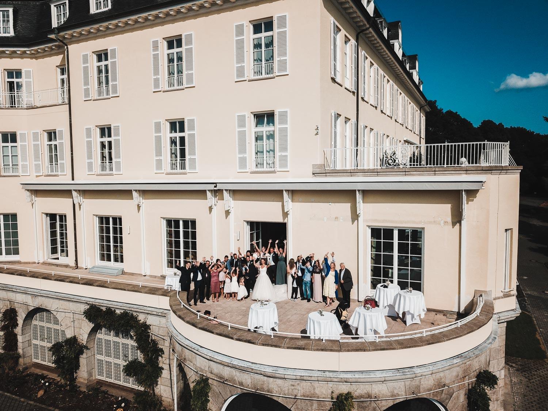 Gruppenfoto auf Terrasse des Steigenberger Grandhotels – gesehen bei frauimmer-herrewig.de