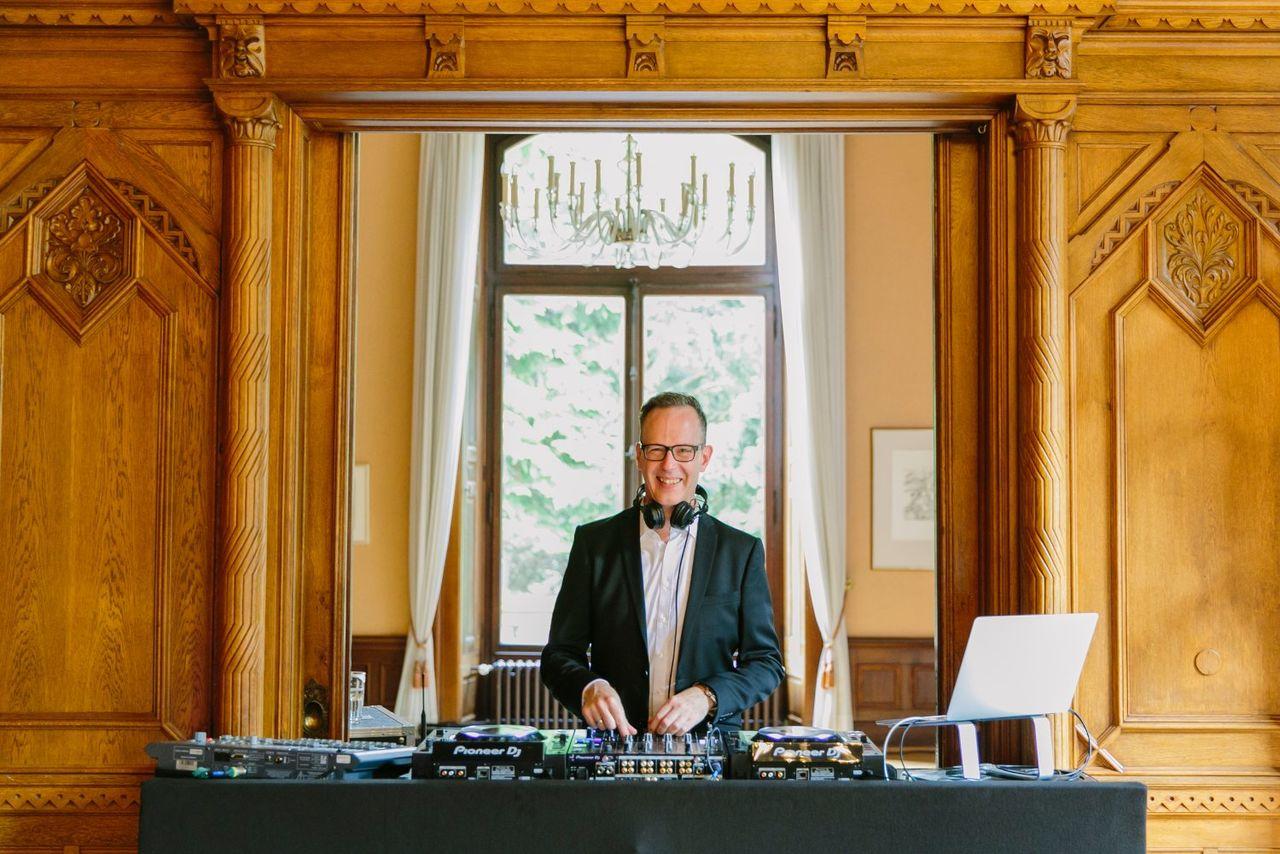 Hochzeits DJ René Pera Köln – gesehen bei frauimmer-herrewig.de