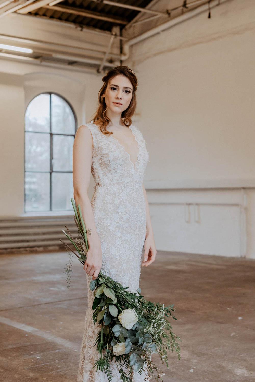 Hochzeitskleid mit semi-transparenter Spitze – gesehen bei frauimmer-herrewig.de