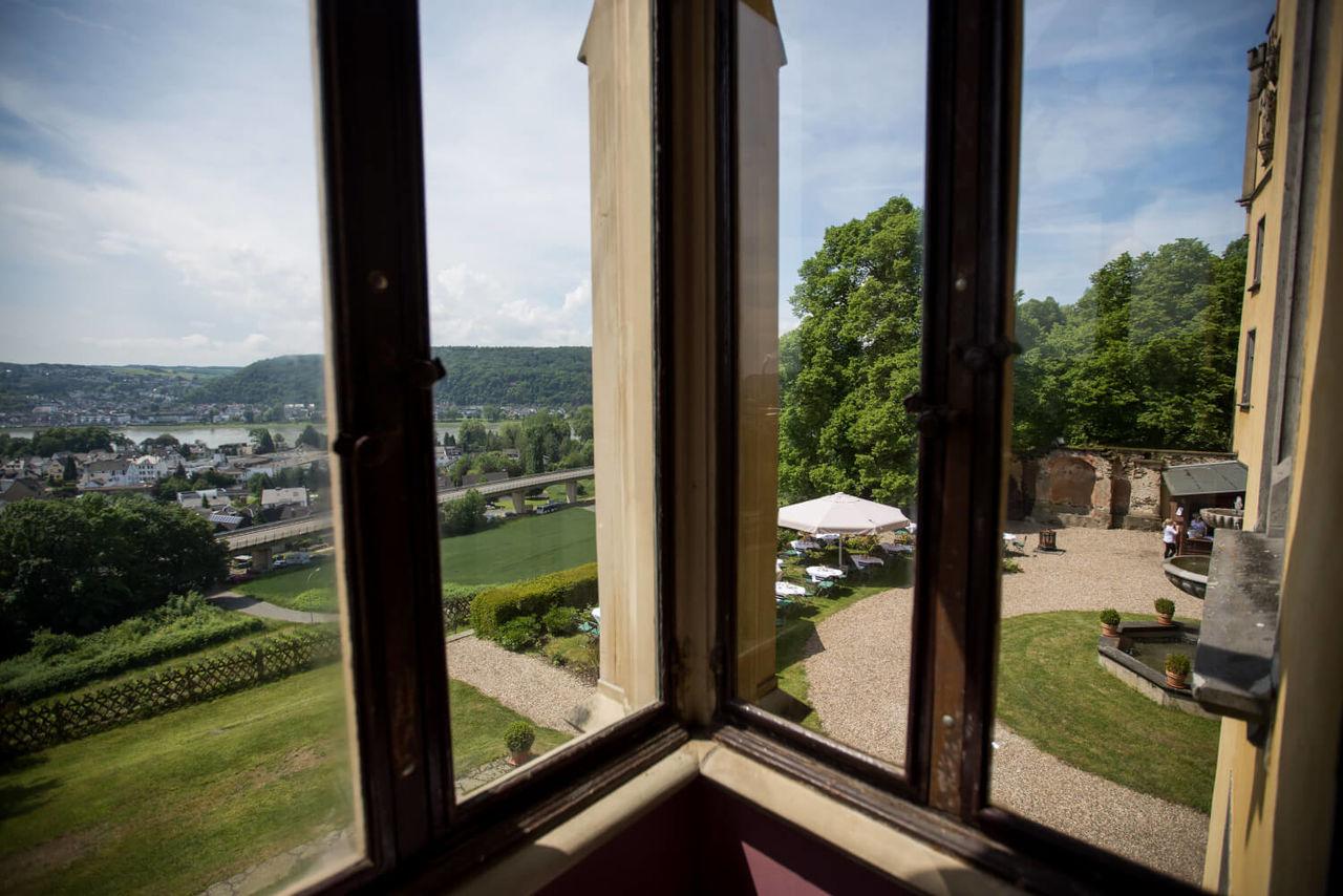 Hochzeitsfotograf Koeln Bonn Schloss Arenfels Angela Krebs 6 – gesehen bei frauimmer-herrewig.de