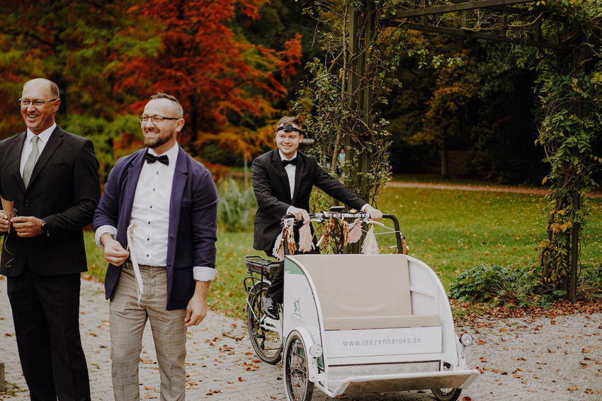 Hochzeit mit Rikscha – gesehen bei frauimmer-herrewig.de