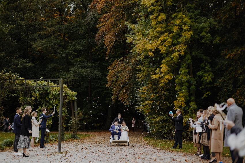 Hochzeitsempfang im Park – gesehen bei frauimmer-herrewig.de