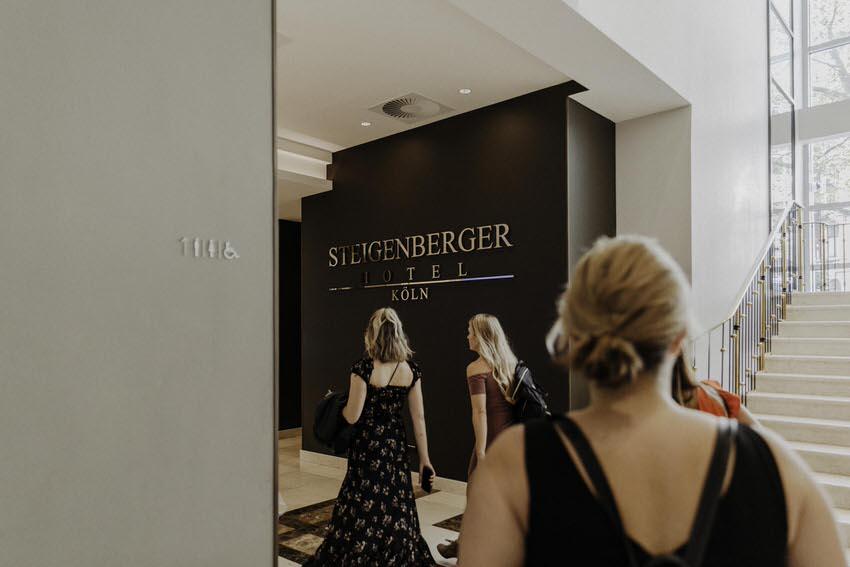 Getting Ready Steigenberger Hotel Koeln Stephanie Lieske Fotografie 13 – gesehen bei frauimmer-herrewig.de
