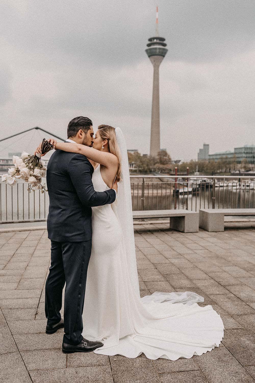 Hochzeit im Medienhafen Düsseldorf – gesehen bei frauimmer-herrewig.de