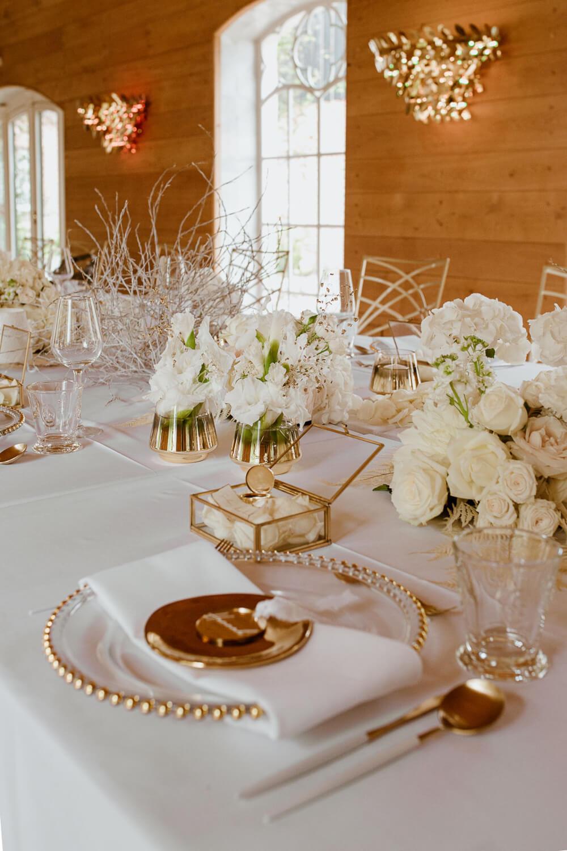 Hochzeitsdeko white-gold – gesehen bei frauimmer-herrewig.de