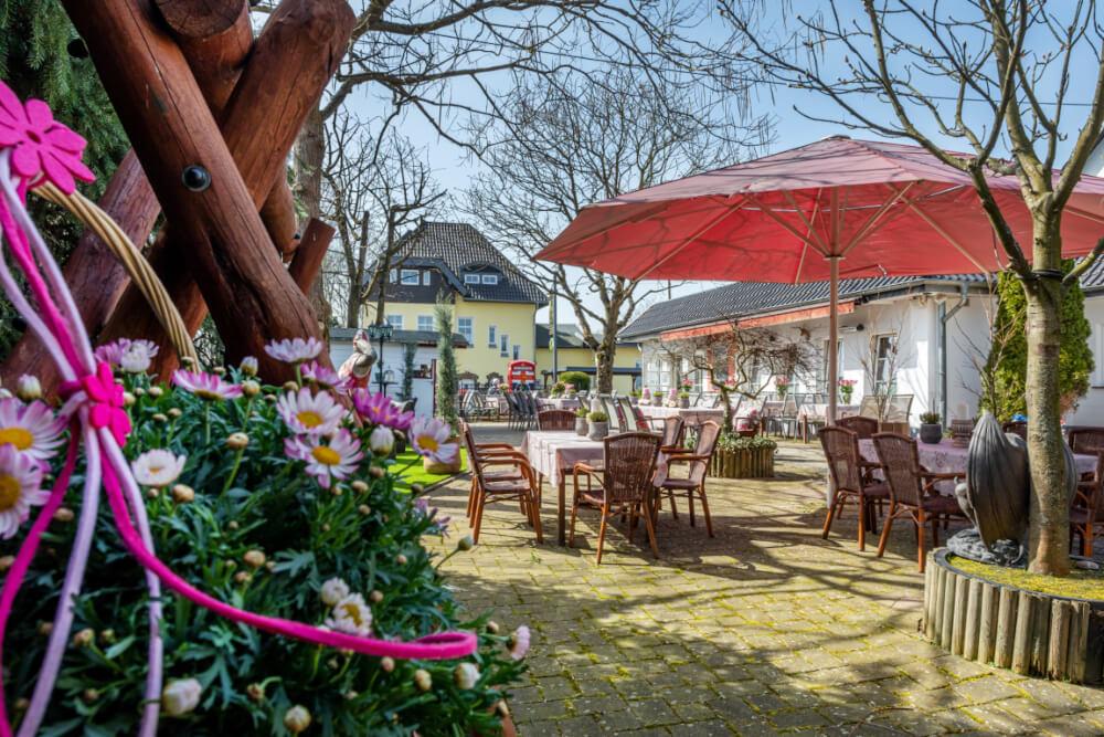 Terrasse im Garten – gesehen bei frauimmer-herrewig.de