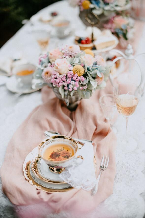 Hochzeitstisch Tea Time – gesehen bei frauimmer-herrewig.de