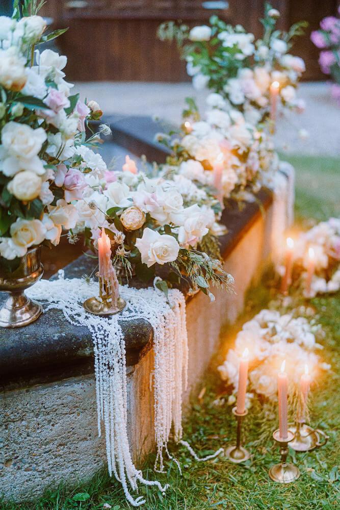 Romantische Hochzeitsdekoration Rosen – gesehen bei frauimmer-herrewig.de
