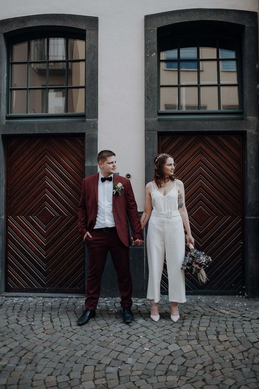 Hochzeitsfotoshooting in der Kölner Altstadt – gesehen bei frauimmer-herrewig.de