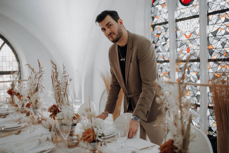 Zeremonienmeister Marvin Trevisi – gesehen bei frauimmer-herrewig.de