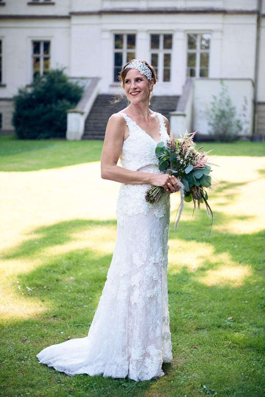 Brautkleid für die 20er-Jahre-Hochzeit – gesehen bei frauimmer-herrewig.de