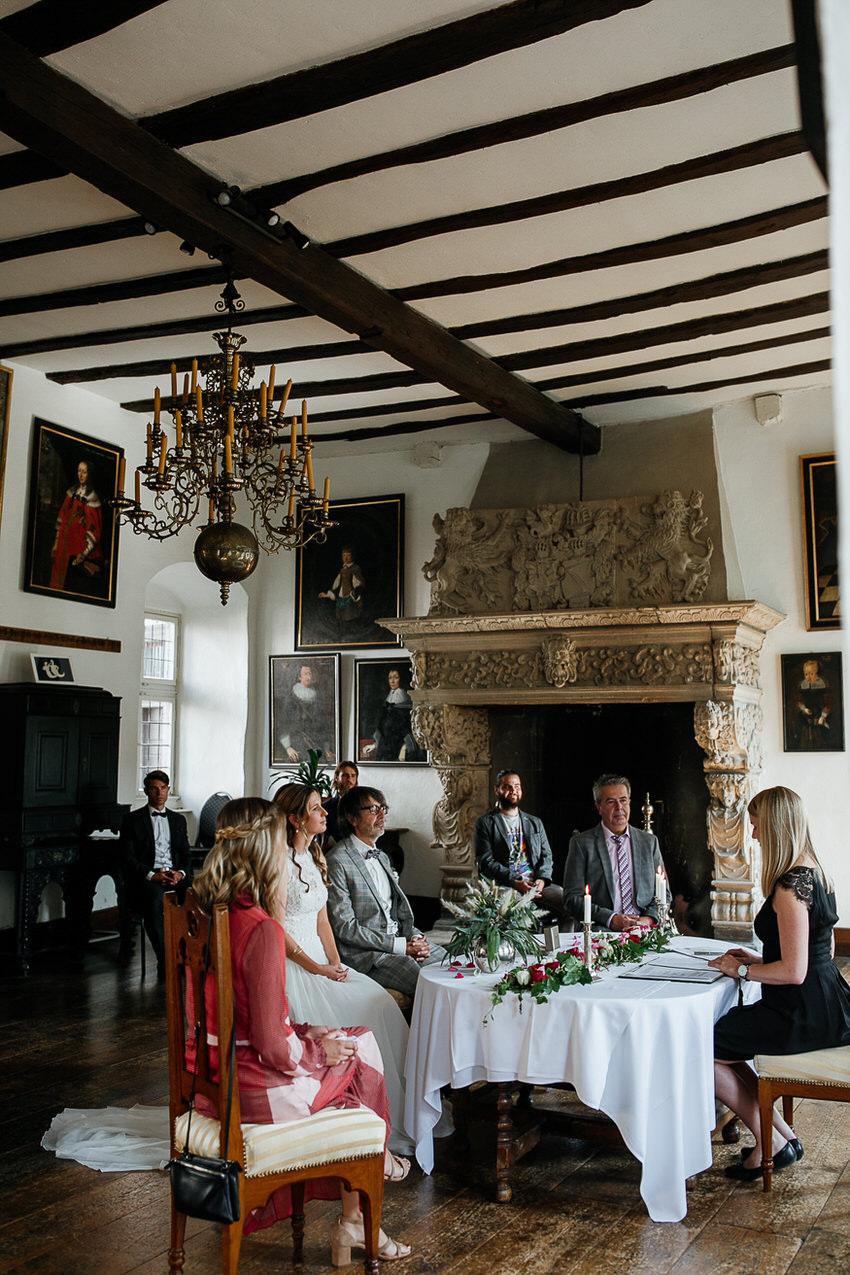 Standesamtliche Trauung auf Schloss Bürresheim – gesehen bei frauimmer-herrewig.de