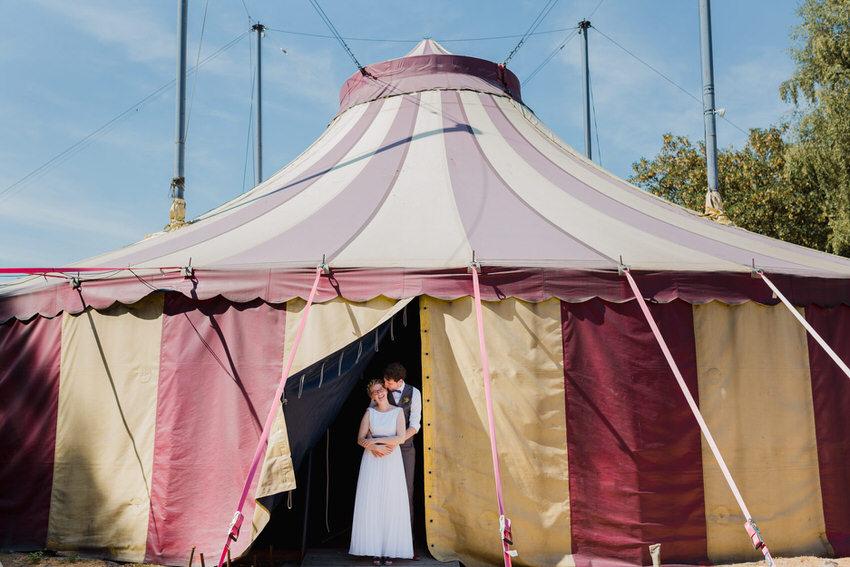Hochzeit im Zirkuszelt 23  – gesehen bei frauimmer-herrewig.de