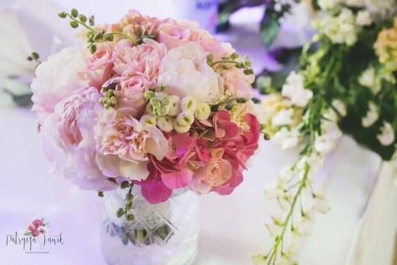 Blumendekoration Hochzeit Flowes n Joy 04 – gesehen bei frauimmer-herrewig.de